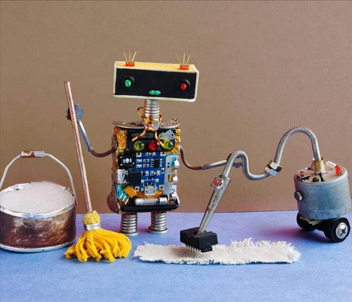 Fun Robot Standing with Mop and Wet Vacuum and Drying Equipment
